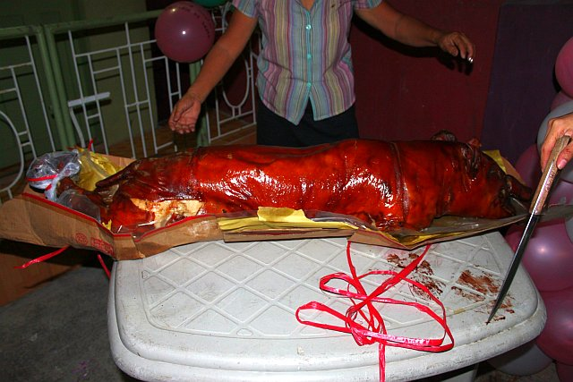 Large – Estimated No. of People: 45-55 lechon pig from cebu